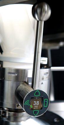 Disposable split valve smart monitoring